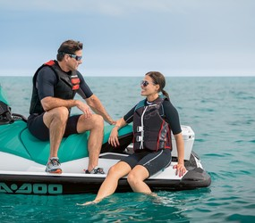 MY20-GTI-90-CoupleChattingOnWatercraft-3631.jpg